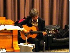 懇親会ギター演奏2
