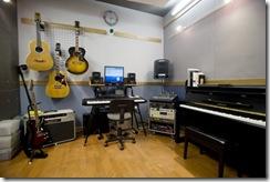 O_studio_w300