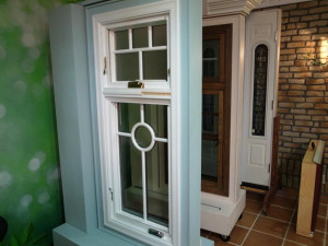 Marvin 窓 外観 竪軸回転窓
